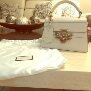 Authentic!! Gucci Queen Margarett 🐝 white leather